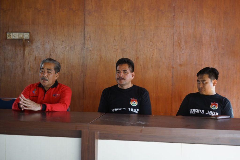 H.Dollah Mando Semangati Pemain PS Nemal Sebelum Bertolak ke Manado