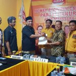 Makin Mantap Maju Pilwali Makassar, Sukriansyah Kembalikan Formulir Partai Hanura